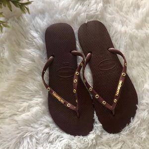 Havaianas Brown/Gold flip flops Size 11/12 NWT